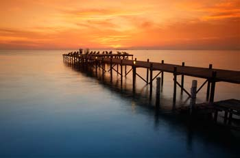 <b>Malaysia, Borneo, Kapalai Island</b>, The jetty at dusk