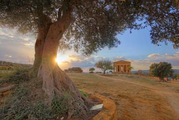 <b>Italy, Agrigento</b>, Valley of Temples