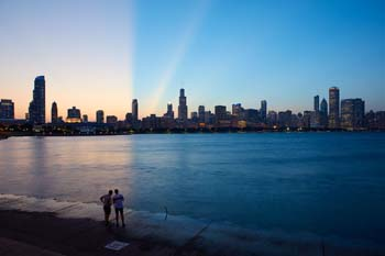 <b>USA, Chicago</b>, Chicago skyline at sunset