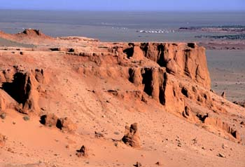 <b>Mongolia, Bayanzag</b>, Bayanzag flaming cliffs