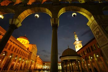 <b>Syria, Damascus</b>, Umayyad mosque at dusk